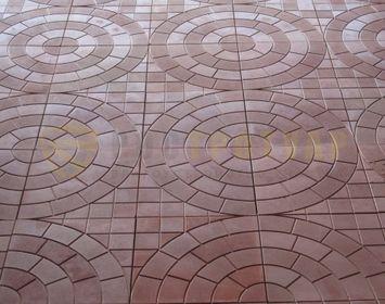 Вид мощения тротуарной плиткой паутинка коричневого цвета