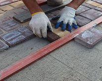 Укладка тротуарной плитки с полной подготовкой основания