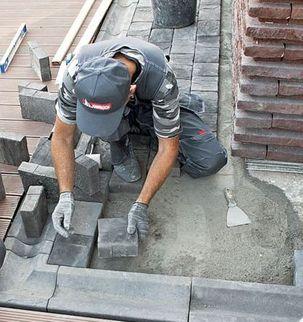 Установка бетонных (тротуарных) водостоков